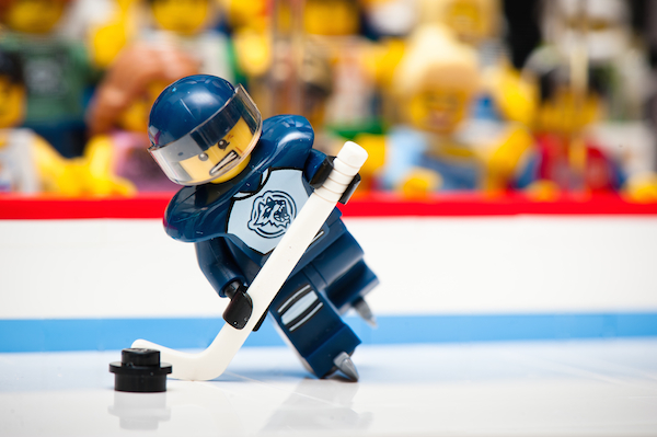 I was hoping to do one of these shots for the start of the NHL Stanley Cup Playoffs but unfortunately it has taken this long for me to actually find one of these Series 4 figures. Better late than never and no better time than today as the Canucks make another attempt to eliminate the Predators in game 6 of the Semi-Conference Finals.
